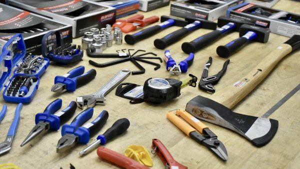 TT2020GD bộ dụng cụ cầm tay cho gia đình DIY gồm xyz chi tiết